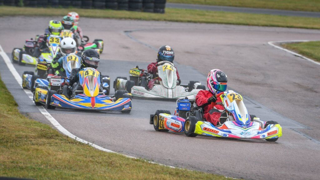 Holly leading the bunch at Bayford Club Race 2020